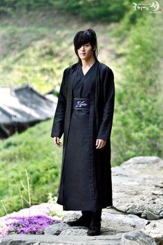 Choi Jin Hyuk a.k.a Wol Ryung in Gu Family Book