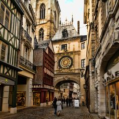 rouen france - Google Search#facrc=_=_=wCmIG7BThwF-YM%3A%3Bjhtctf0kdEZazM%3Bhttp%253A%252F%252Forbclothing.ca%252Fassets%252Fimages%252FFeaturedNewsItem%252FFebruary%2525202013%252FFrance%252C%252520Rouen%252520.jpg%3Bhttp%253A%252F%252Forbclothing.ca%252Fblog%252F2013%252Ffebruary%252Ftravel-inspiration-rouen%252C-france%3B700%3B700