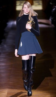 Carvén (Model: Holly Rose Emery) | Fall/Winter 2014-2015 Trendy Boots | #runway #outfit #inspiration #fashion