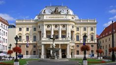 Autobus Bratislava - Budimpešta, sve informacije o prijevozu Bratislava, Cambridge School, Danube River, National Theatre, Old Town, Explore, Mansions, Architecture, World