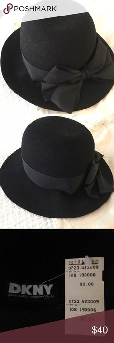 🎀🆕 WEEKEND SALE DKNY Black Felt Hat🎀 Beautiful and stylish, DKNY black felt hat with bow. Brand new with tags. DKNY Accessories Hats