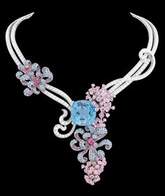 Breathtaking Van Cleef & Arpels jewels on view in Southeast Asia -  Thenaria necklace