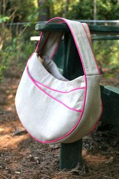 The piping does most of the work in defining the pattern -- fun circular shape! >>everyday handbags piped bag sewing pattern