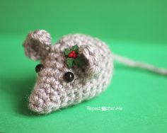 Tiny Crochet Mouse - Repeat Crafter Me
