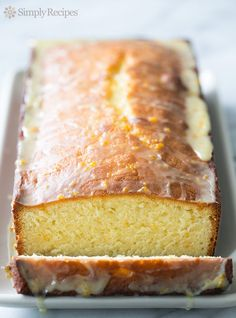 Delicious Almond Pound Cake with Orange Glaze! Almonds and orange are awesome together in this gorgeous pound cake. Perfect for a party, your guests will love it! Almond Pound Cakes, Pound Cake Recipes, Simply Recipes, Sweet Recipes, Cupcakes, Cupcake Cakes, Bundt Cakes, Orange Glaze Recipes, Almond Glaze Recipe