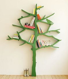 Sunshine on the Inside: It's A Tree. . It's a Bookshelf!!
