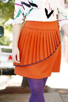 Cute pleated overlay miniskirt No point in paying for this pattern, its so easy.