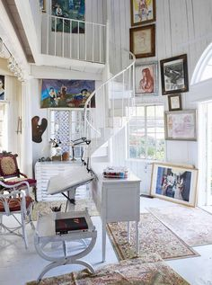 the style saloniste: Exclusive: Famed Costume Designer's Charming Canyon House — Theadora Van Runkle Interior Style