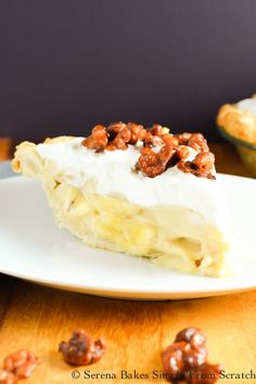 Butterscotch Banana Pudding Pie with Toffee Walnuts is perfect dessert for Thanksgiving from Serena Bakes Simply From Scratch. No Bake Banana Pudding, Banana Pudding Cheesecake, Coconut Pudding, Cheesecake Recipes, Pie Recipes, Chocolate Cake From Scratch, Chocolate Ganache Cake, Cake Recipes From Scratch, Ganache Frosting