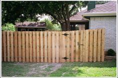 Backyard Wood Fence Designs Ideas and Plans — Cale Donia Design Wood Fence Gates, Fence Gate Design, Garden Gates And Fencing, Privacy Fence Designs, Wooden Gates, Cedar Fence, Wooden Fences, Cedar Wood, Cheap Privacy Fence
