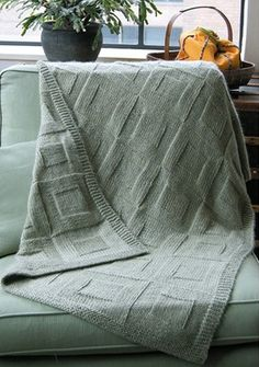 Dovetail Designs' Reversible Afghan to Knit is VERY easy - suitable for beginners who can knit and purl. Worked in one piece - no seams or stitches to pick up - and no wrong side. #knitting