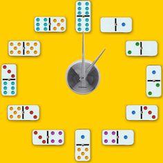 Faz tempo que você não joga dominó e seu jogo tá lá, escondido e esquecido. Então é hora de colar ele na parede! Mas claro que com um propósito, né? O DIY dessa vez ensina como fazer um relógio de parede com dominós, mas você pode usar outras coisas pra marcar os horários, e personalizar [...]