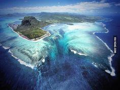 Underwater Waterfalls - The Bahamas