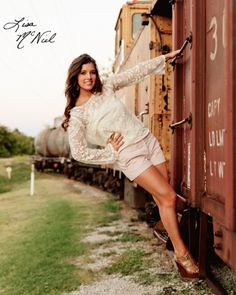 Senior pictures, ideas for girls, cheer, cheerleading, hunting, guns, fashion, flag, car, letter jacket, flower crown, train,DFW, North Texas Photographer, Click the pic for more ideas!