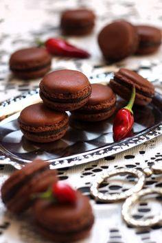 Macarons mit Schoko-Chili-Ganache