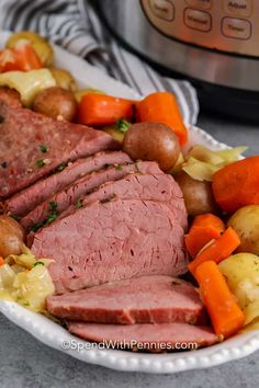 This Instant Pot corned beef is so simple to prepare! Cook the corned beef in the instant pot then toss in the veggies for a delicious meal! Corned Beef Sandwich, Corned Beef Brisket, Corned Beef Recipes, Cabbage Slow Cooker, Corn Beef And Cabbage, Instant Pot Corned Beef Recipe, Slow Cooker Recipe Videos, Stove Top Recipes, Beef Hash