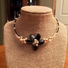 VINTAGE BLACK HEMATITE PEARL FLOWER CHOKER FANTASTIC LOVE THIS PIECE Vintage Jewelry Necklaces