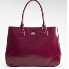 In love with this Tory Burch bag!!! So pretty
