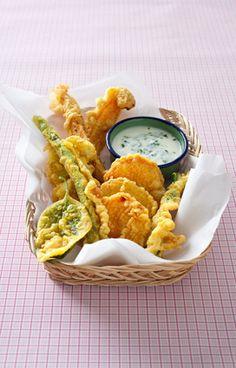 Légumes en tempura au curcuma, sauce yaourt-menthe                              …