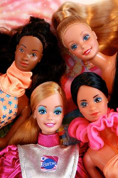 80's Barbies arrival