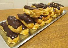 Profiteroles, Eclairs, Sweet Recipes, Cake Recipes, Dessert Recipes, Cupcakes, Cupcake Cakes, Portuguese Recipes, Portuguese Food
