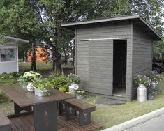 Pihavarasto Small Shed Plans, Small Sheds, Yard Sheds, Backyard Storage, Modern Shed, Ranch Remodel, Bike Shed, Small Buildings, Shed Homes