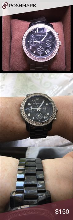 Michael Kors watch This watch is like new. It does need a battery. I also have the links that were taken out! Box included! Michael Kors Accessories Watches