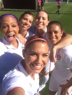 Alex Morgan, Sydney Leroux, Tobin Heath, Lauren Holiday, Carli Lloyd
