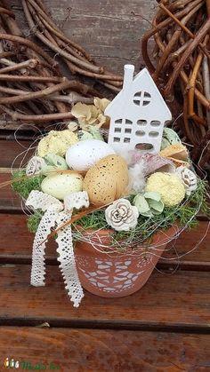 Natúr húsvéti asztaldísz (madarkamuhely) - Meska.hu Spring Flowers, Easter Eggs, Decoupage, Bunny, Wreaths, Seasons, Easter Decor, Easter Ideas, Christmas