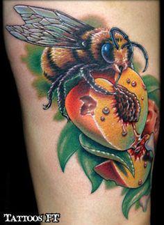 Fotos de Tatuagens: Abelha no Pessego