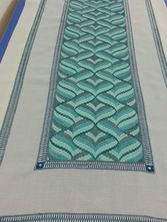 Discover thousands of images about pixels Broderie Bargello, Bargello Needlepoint, Bargello Quilts, Needlepoint Patterns, Hardanger Embroidery, Embroidery Stitches, Hand Embroidery, Bargello Patterns, Christmas Embroidery Patterns
