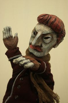 As a part of my ongoing exploration of puppets and puppet-makers here at the Artlog, today I offer an interview with the Czech-born puppet-maker Jan Zalud. Above: heads and hands of villagers carve…