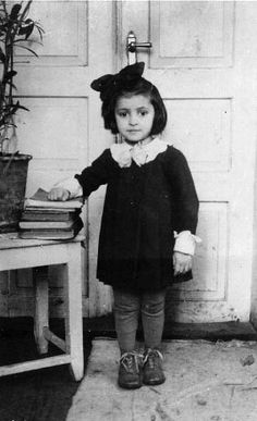 Chana Finkelstein, a survivor of the massacre of Radzillow because she hid in a wheat field. (picture taken 1937-1938)