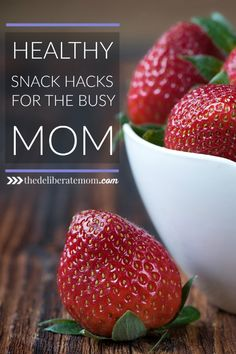 Are you a busy mom? No time to prepare healthy snacks for the family? You don't want to miss this! Check out these healthy snack hacks for the busy mom!