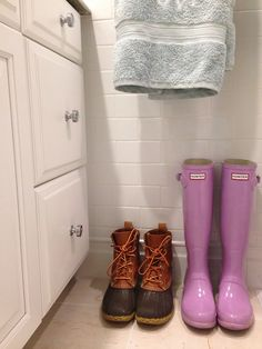 I think I need a pair of Hunter boots in that shade of pink/lavender :)