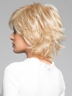 Trend Setter by Raquel Welch: Color Glazed Hazelnut (Medium Brown with Ginger highlights) Celebrity Short Haircuts, Short Shag Hairstyles, Short Layered Haircuts, Hairstyles With Bangs, Pretty Hairstyles, Short Hair With Layers, Short Hair Cuts, Hair Dos, My Hair