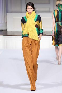 Oscar de la Renta Pre-Fall 2011 Collection Photos - Vogue - more great colors
