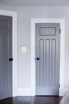 Farrow and Ball wall paint. Interior Door Colors, Interior Door Trim, Interior Door Styles, Craftsman Interior, Farmhouse Interior, Door Design, House Design, Moldings And Trim, Moulding