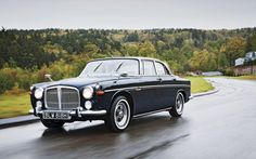 1970 Rover 3 5 litre Coupe front three quarters in motion Dream Cars, My Dream Car, Vintage Cars, Antique Cars, Coventry, Automobile, Classic Car Restoration, General Motors, Car Car