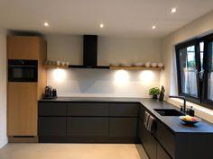 Industrial Kitchen Design, Kitchen Interior, New Kitchen, Kitchen Decor, Black Kitchens, Home Kitchens, Sweet Home, Kitchen Cabinets, Future
