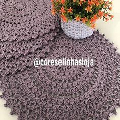 Cores e linhas (@coreselinhasloja) • Fotos y vídeos de Instagram Crochet Doilies, Crochet Hats, Crochet Home Decor, Instagram, Photo And Video, 1, Crochet Poncho, Tela, Destiny