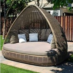Skyline Design Shade Garden Daybed – Famous Last Words Daybed Canopy, Patio Daybed, Outdoor Daybed, Rattan Daybed, Daybeds, Outdoor Furniture Design, Outdoor Garden Furniture, Outdoor Decor, Garden Chairs