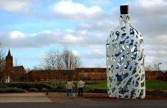 Bottle of Notes is a sculpture by Cleas Oldenburg