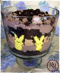 Peeps s'mores trifle- i don't like peeps but this is a cute for Easter party. and Ian and Nanny Dee love chocolate.