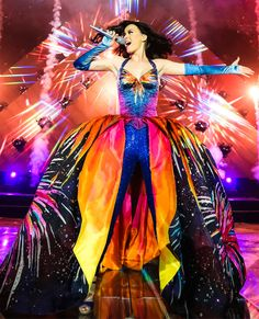 Katy Perry Tour Costumes Prismatic - This prismatic ensemble captured everyone's attention during Perry's performance, producing a wow-worthy fashion moment.