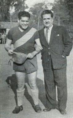 """Roberto Eugenio Cerro conocido como """"Cherro"""", fue un jugador de fútbol argentino, entreala izquierdo.  Apodado """"Cabecita de oro""""."""