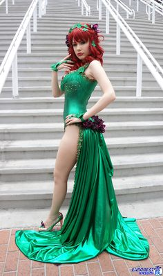 This is possibly the best Poison Ivy cosplay I've ever seen (so far!) I love this!