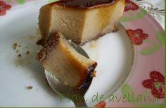 FLAN DE AVELLANAS FUSSIONCOOK: En un molde se ponen 75 gr de azúcar y una cucharada de agua y se mete al microondas 6 o 7 minutos a temperatura máxima. Cuando se haya hecho caramelo, se removerá para que extienda . En un bol pondremos 1/2l leche, 150gr azúcar, 4 huevos , 8 galletas y 150gr avellanas molidas y mezclamos con la batidora . Se vierte en el molde donde esta el caramelo,se tapa y menu manual 20mn con 2 medidas agua.
