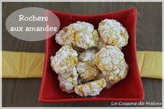 Les macarons, c'est loin d'être une science parfaite ! Même quand on a LA recette, qu'on maîtrise son sujet, on est toujours susceptible de râler son coup. Humidité, macaronnage, four, un détail peut changer la donne. Mais j'avoue que c'est aussi ce qui me plaît avec... #amande #astuces #biscuits