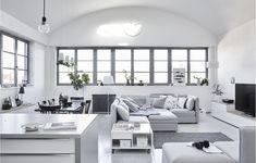 Home visit: five ways to live with one sofa - IKEA Ikea Sofas, Modul Sofa, Old Sofa, Minimal Living, Ikea Home, Living Room White, Titanic, Home Furnishings, Living Spaces